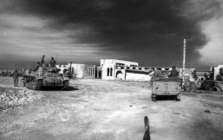 Tobruk, Rommel, Bayerlein, Panzer III