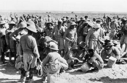 Bei Tobruk, britische Kriegsgefangene