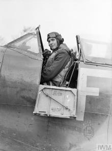 COMMONWEALTH AIR ACES OF THE SECOND WORLD WAR (CH 8119) Group Captain A G 'Sailor' Malan, a South African who became an ace during the Battle of Britain and finished the war with 35 aerial victories. Photographed in the cockpit of his Supermarine Spitfire at Biggin Hill, Kent. Copyright: © IWM. Original Source: http://www.iwm.org.uk/collections/item/object/205206526