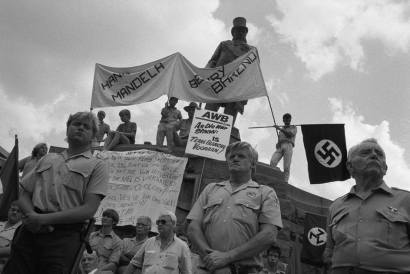 "Mein Kampf shows the way to greatness for South Africa"" – The Ossewabrandwag 1978902_10152242649431480_1182899123_n"