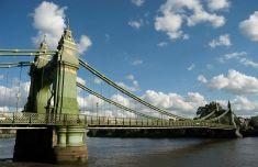 1200px-Hammersmith_Bridge_2008_06_19