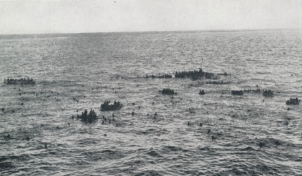 HMS_'Dorsetshire'_survivors_after_sinking_by_Japanese_aircraft_Indian_Ocean