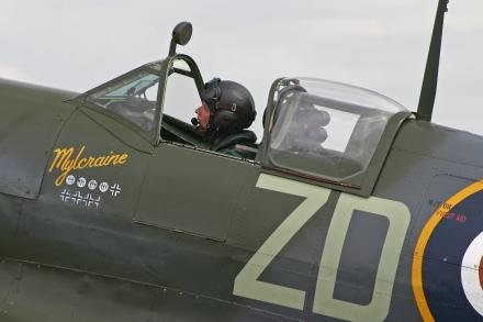 VS_Spitfire_IXc_MH434_ZD-B_(G-ASJV)_(6997151552)