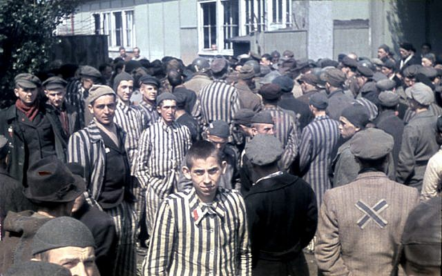 Color-Photographs-of-Life-in-The-First-Nazi-Concentration-Camp-1933-7-640x400