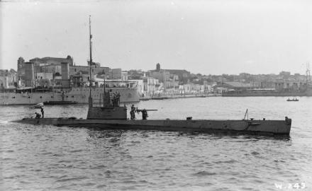 HMS_H4_Brindisi_1916_IWM_SP_578